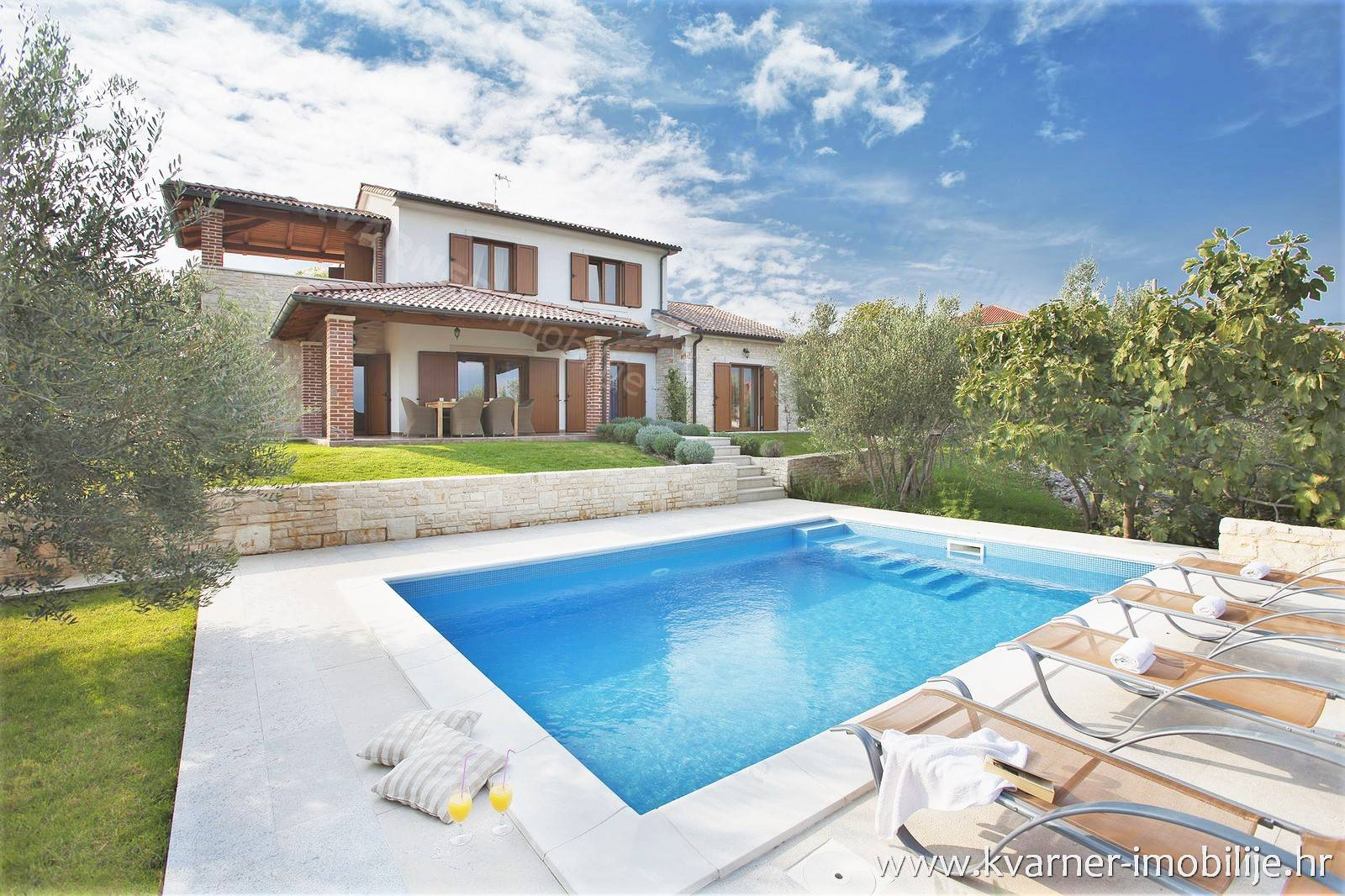 RUSTICAL LOVELY VILA WITH PANORAMIC VIEW!! Luxuriously furnished villa with swimming pool and panoramic sea view!