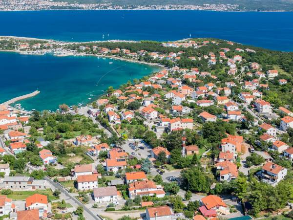 Great location !! Building land in Šilo 100m from the sea !!