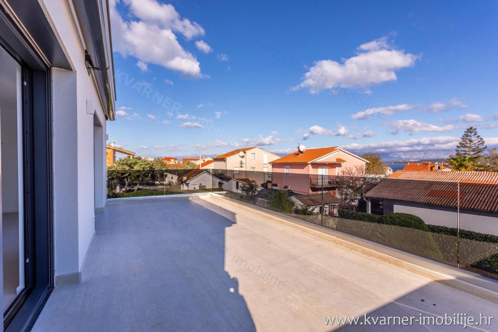 Luxury apartment with swimming pool and large garden in Porat!!